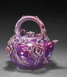 Very interesting Russian teapot. Love the colour - design is too floral for me. Tea Pot Set, Pot Sets, Teapots Unique, Vintage Teapots, Teapots And Cups, Ceramic Teapots, My Cup Of Tea, All Things Purple, Chocolate Pots