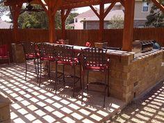 Gorgeous outdoor #kitchen by DH Landscape Design