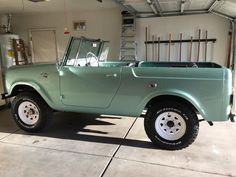 It is a 1964 Scout 80 with Old Vintage Cars, Vintage Trucks, Old Cars, Antique Cars, Dream Cars, My Dream Car, Pretty Cars, Cute Cars, Classic Trucks