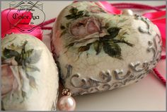 Ия Лямкина (Петрова) Shabby Chic Christmas Ornaments, Christmas Decoupage, Christmas Balls Decorations, Quilted Ornaments, Heart Decorations, Christmas Baubles, Christmas Crafts, Mistletoe And Wine, Iron Orchid Designs