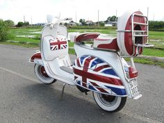 So this is what I am going to get as transportation when I live in London. Vespa Bike, Lambretta Scooter, Scooter Motorcycle, Vespa Scooters, Mod Scooter, Scooter Girl, Italian Scooter, Motor Scooters, Vintage Motorcycles