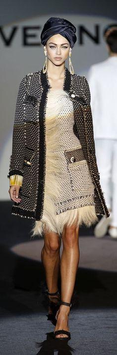 Roberto Verino MBFWM P/V 2014. Nice coat!