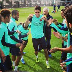 Marc Bartra with Barcelona FC Barca Team, Marc Bartra, Football Is Life, Criminal Minds, Soccer Players, Fc Barcelona, My Life, Sports, Dortmund