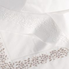 Ladder stitch and French knot pillow shams Linen Bedroom, Gold Bedroom, Linen Bedding, Embroidered Bedding, Knot Pillow, Bed Linen Sets, The White Company, Linens And Lace, Bed Design