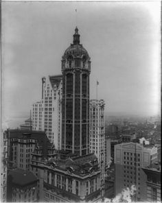 The Singer Building in New York demolished in 1967 was the tallest building in the world when it was built: r/lost_architecture Vintage Architecture, Architecture Details, Classical Architecture, World Trade Center, Philadelphia City Hall, Vintage New York, Lower Manhattan, Construction, Beautiful Buildings