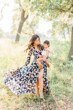 What to Wear to Fall Family Mini Session - Fall EVEREVE Trends Mother daughter matching outfits navy long sleeve floral maxi dress with nude booties fringe mocsThe Navy Alexa Wrap Maxi Dress by Allison Joy joyfullygreen Fall Family Outfits, Family Portrait Outfits, Fall Family Portraits, Family Picture Outfits, Navy Family Pictures, Long Fall Dresses, Mother Daughter Matching Outfits, Dress Picture, Floral Maxi Dress