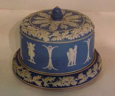 Jasperware cheese dome Green And Brown, Blue And White, Stilton Cheese, Cheese Dome, Cheese Dishes, Teapots And Cups, Wedgwood, Butter Dish, Stoneware