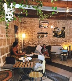 Coffee Cafe Interior, Coffee Shop Interior Design, Cosy Interior, Coffee Shop Design, Cafe Design, Decoration Restaurant, Bakery Decor, Deco Restaurant, Restaurant Lounge