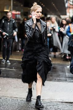 Street look à la Fashion Week automne-hiver 2016-2017 de Londres