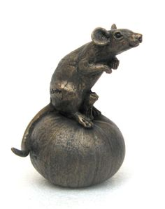 MICE sculptures by Suzie Marsh - Proper Living Limited Ceramic Animals, Clay Animals, Sculptures Céramiques, Sculpture Art, Animal Quotes, Bronze Sculpture, Clay Art, Japanese Art, Wood Carving