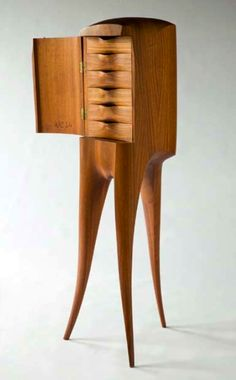 The Remarkable Art Furniture of Wendell Castle. Woodworking Projects For Seniors Art Furniture, Arts And Crafts Furniture, Studio Furniture, Unique Furniture, Furniture Plans, Vintage Furniture, Furniture Design, Steel Furniture, Furniture Making