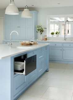 This bespoke blue Martin Moore kitchen was designed and handmade to order in their Yorkshire workshops, with no standard components. Family Kitchen, Kitchen And Bath, New Kitchen, Kitchen Reno, Kitchen Ideas, Kitchen Layout, Kitchen Design, Martin Moore Kitchens, New Classic Furniture