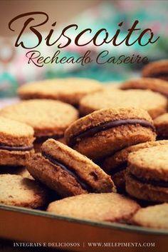 Biscoitos integrais com recheio de chocolate - Biscoitos recheados são a perdição da criançada. Então prepare em casa e com as crianças esse biscoito integral recheado com chocolate. Confira a receita!