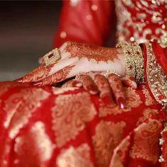 Designer Wedding Dresses, Bridal Dresses, Profile Picture For Girls, New Mehndi Designs, Bridal Dress Design, Feather Art, Cute Girl Pic, Wedding Background, Sweet Dress