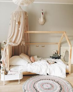beautiful bedroom design ideas for girl house bed with canopy kids bedroom design Montessori furniture house - House Beds For Kids, Kid Beds, Toddler House Bed, Bunk Beds, Bed Ideas For Kids, Beautiful Bedroom Designs, Beautiful Bedrooms, Pretty Bedroom, House Beautiful