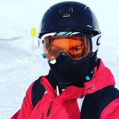 I can't feel my face when I'm in Tignes but I love it. #skiing #ski #sport #weekend #france #alps #espacekilly #valdisere #winter #cold #funny #oakley #selfie #iphoneonly