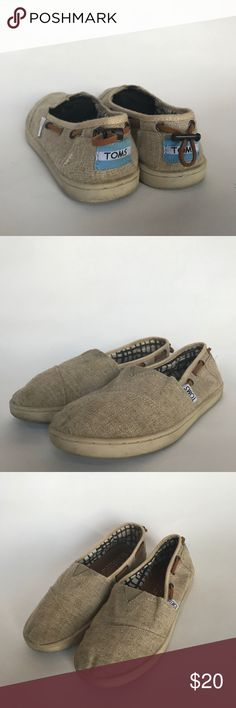 TOMS Burlap Bimini Youth size 3 burlap TOMS. They're in great shape! Will fit a ladies size 5. They have a little dirt on the sole and the front toes. Toms Shoes Flats & Loafers