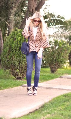 Kooba bag + jeans and polka dots Polka Dot Blazer, Pink Polka Dots, Jean Outfits, Fashion Outfits, Womens Fashion, Fashion Ideas, Only Jeans, Michael Kors Satchel, Kimono Jacket