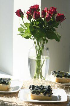 Ciasto z budyniem, owocami i galaretką http://panitereska.pl/ciasto-z-budyniem-owocami-i-galaretka #ciasto #budyń #galaretka #owoce #deser #droetker