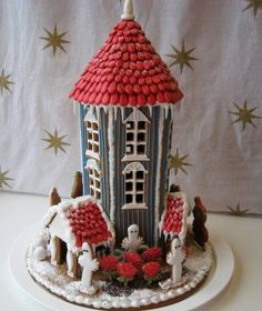 Moomin gingerbread house Christmas - This is TOO exciting! Easy Gingerbread House, Gingerbread Village, Gingerbread Cookies, Christmas Treats, Christmas Cookies, Christmas Time, Holiday, Cookie House, Yule