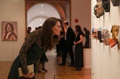 Kate Middleton Photos Photos - Catherine, Duchess of Cambridge views works of art as she attends the 2017 Portrait Gala at the National Portrait Gallery on March 2017 in London, Britain. - The Duchess Of Cambridge Attends The Portrait Gala 2017 The Duchess, Duchess Of Cambridge, Temperley London Dress, Galas Photo, Kate Blog, Herzogin Von Cambridge, Green Lace Dresses, Kate Middleton Photos, Galleries In London