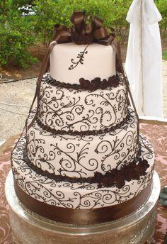 Brown Wedding Cake (in black) Beautiful Wedding Cakes, Gorgeous Cakes, Pretty Cakes, Amazing Cakes, Brown Wedding Cakes, Different Cakes, Stylish Eve, Love Cake, Cream Cake