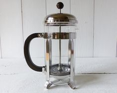 French Melior Vintage Coffee Pot 8 cups Beautiful MID CENTURY Large French PRESS PLUNGER coffee maker Melior Patents Paris 1960 This is a vintage item, not a recent french coffee press = a big difference of quality. Stamped : Chambord - made in France - 8