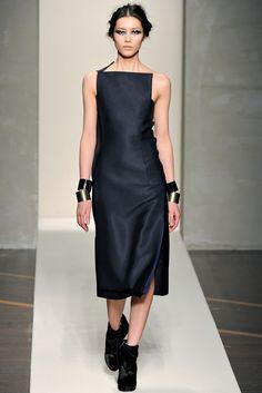 Gianfranco Ferré Fall 2012 Ready-to-Wear Fashion Show - Liu Wen
