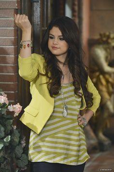 Photo of Selena Gomez Wizards Of Waverly Alex Vs.Alex Stills for fans of Selena Gomez 33698213 Estilo Selena Gomez, Selena Gomez Outfits, Selena Gomez Pictures, Hannah Montana, Icarly, Estilo Vanessa Hudgens, Tv Show Outfits, Alex Russo, Wizards Of Waverly Place