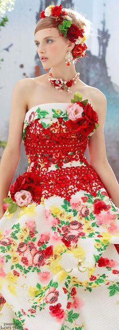 Stella de Libero Floral Fashion, Colorful Fashion, Fashion Dresses, Evening Dresses, Prom Dresses, Formal Dresses, Up Girl, Mannequins, Beautiful Gowns