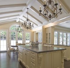 Love the high ceilings #gorgeous #dreamkitchen