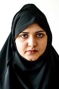 Beautiful Women Over 40, Beautiful Muslim Women, Most Beautiful Indian Actress, Beautiful Hijab, Beautiful People, Arab Girls Hijab, Girl Hijab, Muslim Girls, Muslim Family