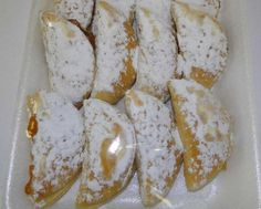 Posts about jam tertjies written by kreatiewekosidees and South African Recipes, Cake Cookies, Cupcakes, Camembert Cheese, Sweet Treats, Bread, Food, Tarts, Scrapbooking
