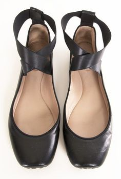 I love that these look like pointe shoes, but they're flats.