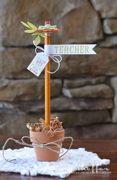 Pencil Flower by Amy Sheffer for Papertrey Ink (April 2015)