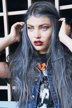 love this dye job! It's like dirty denim, I must do this! präsentiert von www.my-hair-and-me.de #women #hair #haare #long #lang #grey #grau #mittelscheitel #lips #blue #eyes #blaue #augen