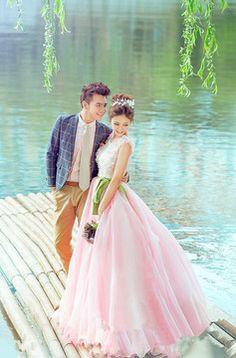 1600 руб.  Платье пышное для фотосессии, свадебное платье, нежное розовое платье. Костюм мужской для свадьбы, фотосессии.