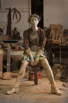 an egon tania sculpture