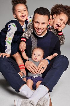 NBA star Stephen Curry and his cute family cover Parents magazine (Photos) - NaijaDome Family Guy, Cute Family, Family Goals, Family Matters, Family Life, Stephen Curry Ayesha Curry, Nba Stephen Curry, Ayesha And Steph Curry, Stephen Curry Wallpaper