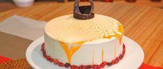 Pastel de Duraznos Osvaldo Gross, Cake, Desserts, Food, Gourmet, White Chocolate Icing, Almond Paste, Pastries Recipes, Food Cakes