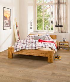 Micasa Schlafzimmer mit Bett und Nachttisch aus dem Programm ROUSSEAU