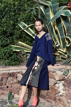 Antonio Marras Resort 2019 Fashion Show Collection: See the complete Antonio Marras Resort 2019 collection. Look 10 Star Fashion, Fashion Art, Runway Fashion, Fashion News, Vintage Fashion, Fashion Design, Fashion Trends, Antonio Marras, Beautiful Blouses