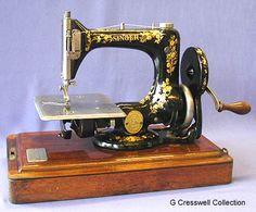 """The Singer """"Automatic"""", or No.24, was marketed during the late 19th / early 20th century. The example shown features a hand crank drive attachment."""