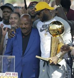Congrats to my good friend and The GOAT on the unveiling of your well overdue/deserving statue! Means alot to me to be able to keep the legacy going in the same city your started it in! Congrats once again. Lebron James And Wife, Lebron James Family, Lebron James Kyrie Irving, Cleveland Cavs, Cleveland Rocks, King Lebron, Jim Brown, Nba Sports, Basketball Players
