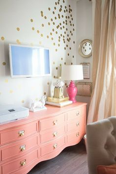 Want to add interest to your space? Use removable vinyl polka dot wall decals to recreate this fun confetti wall! Find these and more mini-pack wall decals at wallsneedlove.com