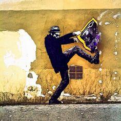Levalet street art paste!