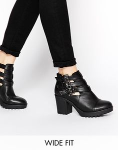 New Look Wide Fit Dice Triple Strap Heeled Boots