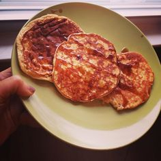 One of my favorite work perks is working from home on Fridays, which means time to actually sit down and enjoy breakfast. Today's #m1: protein pancakes drizzled with @naturenates all natural honey syrup.  #tiuteam #tiucheckin #tiu #tiumeals #tiugirl #tiuboston #tiubride #tiunutrition #tiuapproved #proteinpancakes #perfectfitpancakes #pfp #healthyliving #healthyeating #healthylifestyle #fitlife #fitgirl #foodstagram