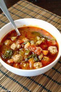 Minestrone soep met balletjes - Paleo by Leo, Quiche Recipes, Soup Recipes, Cooking Recipes, Healthy Recipes, Cheap Clean Eating, Clean Eating Snacks, Enjoy Your Meal, Paleo, Comfort Food