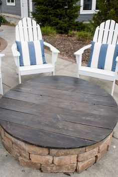 Diy fire pit ideas and backyard seating area (24)